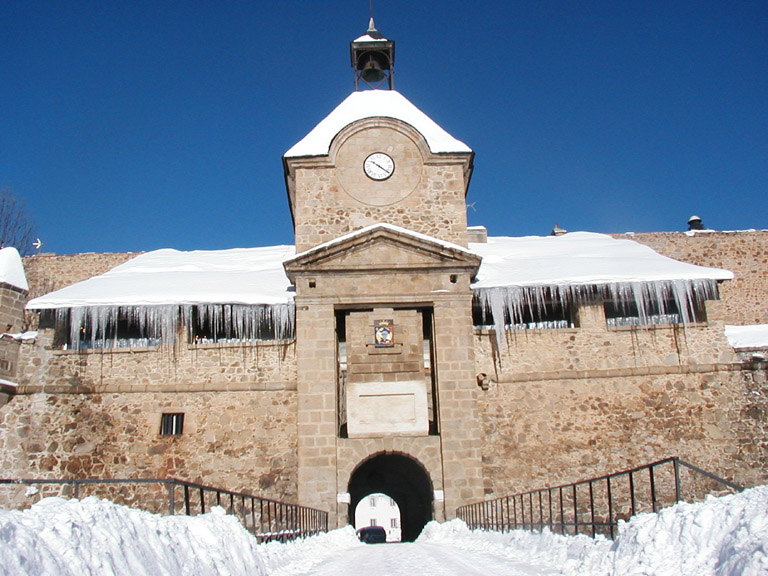 images/stories/Le_grand_2/CNEC citadelle-neige.jpg
